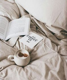 Let's get cozy. Let's get cozy. Coffee And Books, Coffee Love, Coffee Break, Morning Coffee, Coffee Mornings, Coffee Coffee, Latte Macchiato, Pause Café, Foto Blog