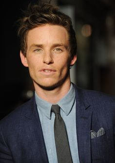 eddie redmayne... lord, he is so fine.