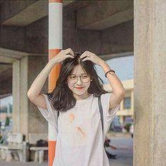 Pss lo que dice el titulo # Fanfic # amreading # books # wattpad Pelo Ulzzang, Ulzzang Korean Girl, Cute Korean Girl, Asian Girl, Korean Best Friends, Girl Korea, Uzzlang Girl, Cute Girl Face, Girl Photography Poses