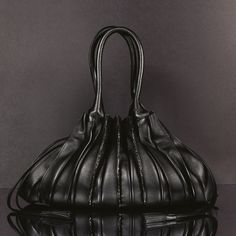 Find the luxury handbags from the latest Fashion Collections on the official website of the LUPO Barcelona firm. Luxury Bags, Luxury Handbags, Fashion Corner, Napa Leather, Black Diamond, Latest Fashion, Jewels, Shoe Bag, Lamb