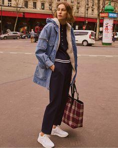 Calça Jeans Feminina Cargo com Bolsos Azul Escuro cea
