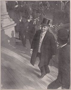 The last picture of President McKinley. It was taken as he was going up the steps of the Temple of Music, in September 6, 1901.