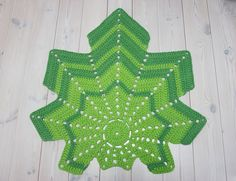 Green leaf shaped crochet doily rug 45 crochet by ForHomeAndSoul