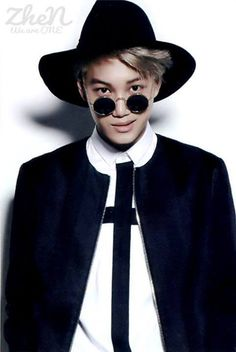 Kai looks like a creepy but sexy priest of some sort. I can see key wearing something like this. Kaisoo, Chanyeol Baekhyun, Exo Kai, Kpop Exo, 2ne1, K Pop, Celebrity Magazines, Kim Minseok, Wattpad