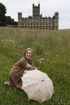 Lady Edith Crawley - Laura Carmichael in Downton Abbey Season 6, set in 1925