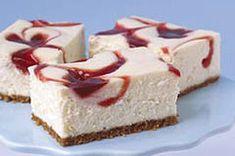 Cheesecake Philadelphia estilo Nueva York con remolinos de fresas