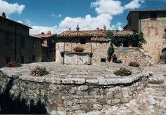 Rocca d'Orcia piazza della cisterna
