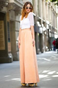 5 trends in one: Chunky heels, Coral, Maxi Skirt, Cropped Top, Vintage Cateye Sunnies <3