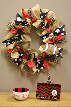 Make a burlap wreath in your school colors. I love this!! GO CARDS!