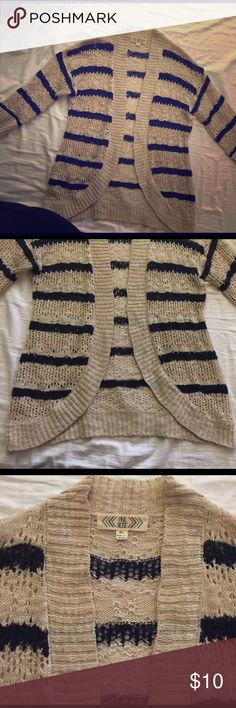 Sweater cream / blue Great sweater! Cute for any season!  Worn a few times. In great condition. 💜BUNDLE AMD SVAE WITH MY HREAT BUNDLE DISCOUNT 💜 Pink Rose Sweaters