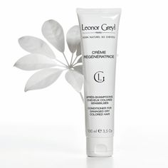 Conditioning mask for dry or colored hair. This conditioning mask deeply revitalizes, regenerates and repairs the most damaged hair, offering it new shine, softness and manageability. How to use: Use as an everyday conditioner or as a weekly intensive treatment for your length and ends.