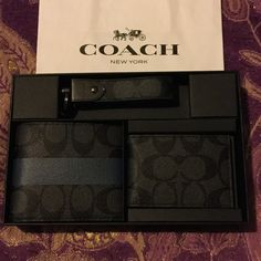COACH 3-PIECE MEN'S WALLET GIFT SET COACH 3-PIECE MEN'S WALLET SET: INCLUDES BI- FOLD WALLET, CARD HOLDER, & KEY CHAIN ALL MATCHING COACH DESIGN GORGEOUS CHARCOAL  & SLATE COLORS . COMES IN COACH GIFT BOX READY FOR GIVING. Coach Bags Wallets Coach Wallet Men, Coach Men, Coach Bags, Designer Suitcases, Fashion Bags, Mens Fashion, Pieces Men, Coach Gifts, Couture