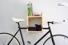 Hazlo tú mismo: una estantería para colgar la bici