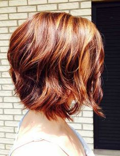 Short Wavy Haircuts for Women: Ombre Bob Hair Style. pretty colors