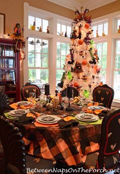 Halloween Table Settings Tablescapes For Adults And For Children