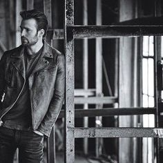 NEW Outtake of Chris Evans photographed by Matthew Brookes for InStyle Magazine, May 2016.