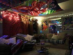 Indie Room Decor, Aesthetic Room Decor, Room Design Bedroom, Room Ideas Bedroom, Stoner Bedroom, Hangout Room, Hippy Room, Chill Room, Grunge Room