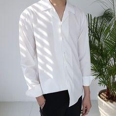 Korean Fashion Men, Korean Men, Boy Fashion, Mens Fashion, Fashion Outfits, Denim Jacket Men, Estilo Retro, Korean Outfits, Mode Inspiration
