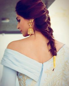 But this time, she paired it with these traditional jhumkas from Kalyan Jewellers. | Sonam Kapoor Paired Couture With Traditional Indian Earrings And It Was...