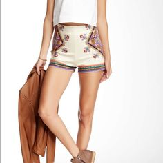 """HOST PICK  The High Waisted Vacay Shorts PIECE PRINT HIGH-WAISTED SHORTS  * APPROX. MEASUREMENTS: 13"""" IN SIDE LENGTH (SIZE SMALL)  * SELF: 97% COTTON, 3% SPANDEX * COLOR: IVORY Harper Trends Shorts"""