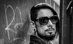 Dave Navarro Opens Up About His Mother's Murder In New Documentary | The Huffington Post