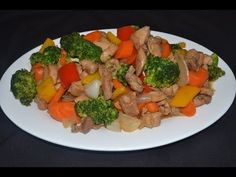 Pollo con brocoli - Comida China Sweet N Sour Chicken, Chinese Food, Food Videos, Chimichurri, Chicken Recipes, Food And Drink, Yummy Food, Healthy Recipes, Salsa
