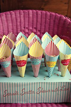Buffet popcorn cones with fold top (find fold top so stuff stays inside) Put blank stickers on with carnival style shape so people can write their names on it Carnival Wedding, Carnival Birthday Parties, Circus Birthday, Vintage Carnival, Circus Theme, Circus Party, 50s Wedding, Yellow Wedding, Popcorn Cones