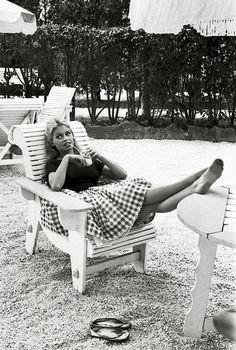 "missbrigittebardot: "" Brigitte Bardot on the set of ""Come Dance With Me"", 1959 "" Bridgitte Bardot, Marlene Dietrich, Audrey Hepburn, Classic Hollywood, Old Hollywood, Hollywood Stars, Marilyn Monroe, Divas, Paris Match"