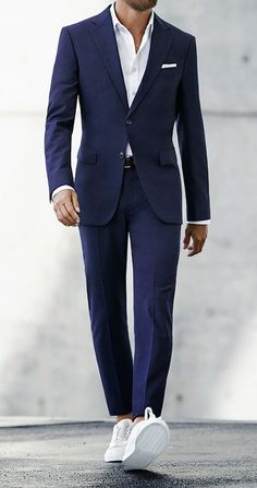 Men's Suits - Get the Look : Costume Bleu, Chemise Blanche, Stan Smith Terno Casual, Terno Slim, Gentleman Mode, Gentleman Style, Mens Fashion Suits, Mens Suits, Suit Men, Mens Casual Suits, Fashion Fashion