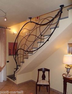 RINGHIERA FERRO BATTUTO . Realizzazioni Personalizzate . 000 Stair Railing, Stairs, Iron Railings, Stair Storage, Cafe Shop, Blacksmithing, Decoration, Wrought Iron, Living Room Decor