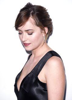 Dakota Johnson receives the Calvin Klein Spotlight... - ..rh