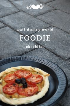 ready to see our list for all the food you must try at Walt Disney World. This is a work in progress so let us know if we need to add something! #disneyfoodie #waltdisneyworldfood #disneychecklists #bestdisneyfood