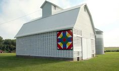 Quilt Barn - 15-84-01Notes:  Photos by Amy Solsma (Aug 2009)  Contributed by:Rodney & Alma Langstraat (Owners)  Pattern: Farmer's Daughter  Location:  Hospers -3920 Kingbird Avenue  Sioux Co - IA