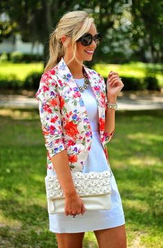 Fashionable combinations with floral blazers. To get more ideas follow the URL  #fashion #spring #trend