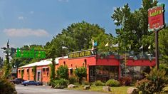 Kudzu Antique Market in Decatur, GA....finds that are old, traditional, junky and fun!