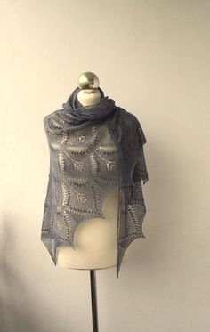 MADE TO ORDER Wuthering Heights hand knitted lace von DagnyKnit, $135.00