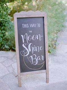 Chalkboard wedding sign: Photography: Julie Paisley - http://juliepaisley.com/