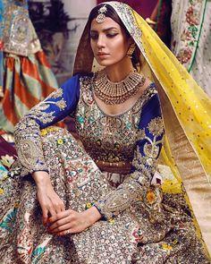 How to Select the Best Modern Saree for You? Pakistani Lehenga, Pakistani Couture, Pakistani Bridal Wear, Bridal Lehenga Choli, Pakistani Outfits, Anarkali, Sabyasachi, Designer Bridal Lehenga, Indian Wedding Outfits