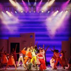 #MammaMia! #Tucson Te tenemos el plan para este fin de semana comenzando mañana! El show musical Mamma Mia! llega a Tucson desde mañana hasta el domingo. Más info en broadwayintucson.com http://ift.tt/2eoIvG8 o al 800-745-3000.