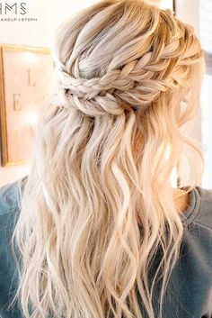 Cute Hairstyles for Sweety and Romantic Look picture 1