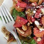 Ensalada tibia de vegetales rostizados al tomillo con feta y nuez – Pizca de Sabor