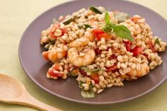 Barley salad with anchovies, shrimps and tomatoes - quick recipe Quick Recipe Videos, Quick Recipes, Summer Recipes, Pasta Recipes, Healthy Recipes, Barley Salad, Quick Healthy Meals, Just Cooking, Food Videos