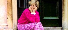 ilovethebritishroyals:  Princess Diana at home, sitting on the steps of Highgrove House. July 18, 1986.