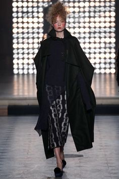 Vivienne Westwood Fall 2014 Ready-to-Wear Collection Slideshow on Style.com