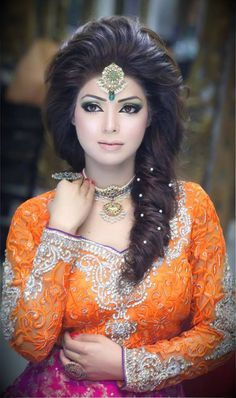 Engagement makeup by kashee & beauty parlour Pakistani Bridal Makeup, Indian Bridal Fashion, Bride Makeup, Wedding Hair And Makeup, Engagement Makeup, Bollywood, Asian Bridal, Bridal Beauty, Bridal Looks