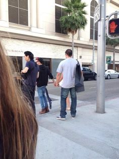 I dont mean to sound like a desperate freak and I know it's none of my every loving  business but who the flipping heck is liam holding hands with is this picture a joke?