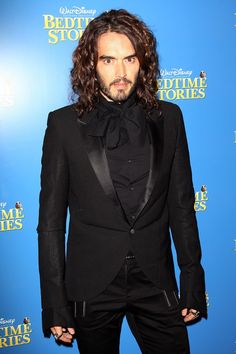 Russell Brand Photo - UK Film Premiere: Bedtime Stories - Inside Arrivals