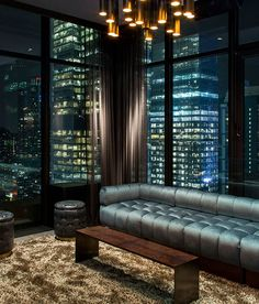 take me to the Skylark rooftop bar, NYC - luxury apartment Modern Interior Design, Interior Architecture, Interior And Exterior, Apartment View, Dream Apartment, Luxury Apartments, Luxury Homes, Luxury Penthouse, Penthouse Suite