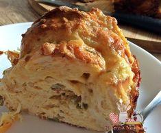 Uma sugestão deliciosa de aproveitar as sobras da geladeira, pães e fazer esta maravilhosa torta de pão francês.