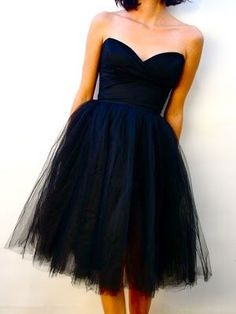 Bridesmaids..... Love I'm such a fan of navy blue this is sooooo cute with pink flowers great for any season it's adorable !!!